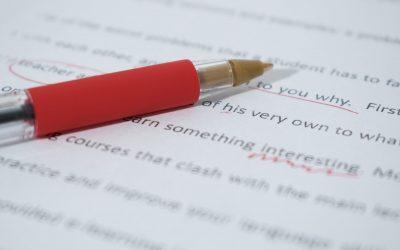 O que ocorre numa revisão de texto?